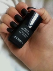 nail polish,black,chanel,ida greco,make-up,girl