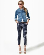 pants,polka dots capri pants,polka dots,capri pants,blue pants,denim jacket,jacket,blue jacket,sandals,high heel sandals,white sandals,sunglasses,spring outfits
