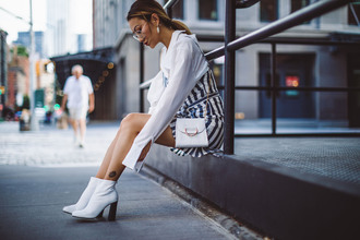 not jess fashion blogger top dress bag shoes jewels ankle boots white shirt white bag white boots white ankle boots blouse jacket tumblr mini dress stripes striped dress shirt tumblr bag mini bag blogger style crossbody bag