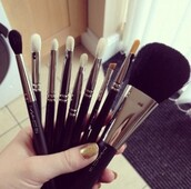 make-up,makeup brushes,morphe brushes,mac cosmetics,nars cosmetics,nyx,pretty