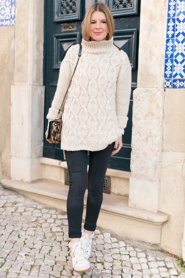 the working girl sweater bag shoes blouse jeans jewels