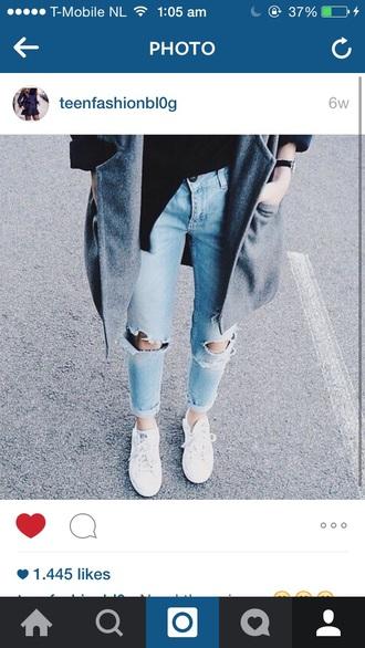 jeans ripped jeans denim fashion style helpmefind shoes coat blue denim jeans wheretogetit??? tumblr clothes