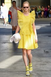 dress,yellow,yellow dress,runway,milan fashion week 2017,MSGM