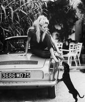 blouse,60s style,fashion,romantic,blonde hair,cute  outfits,brigitte bardot
