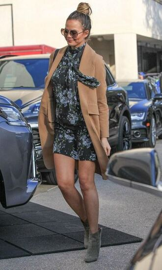 dress fall dress fall outfits coat camel camel coat chrissy teigen ankle boots shoes