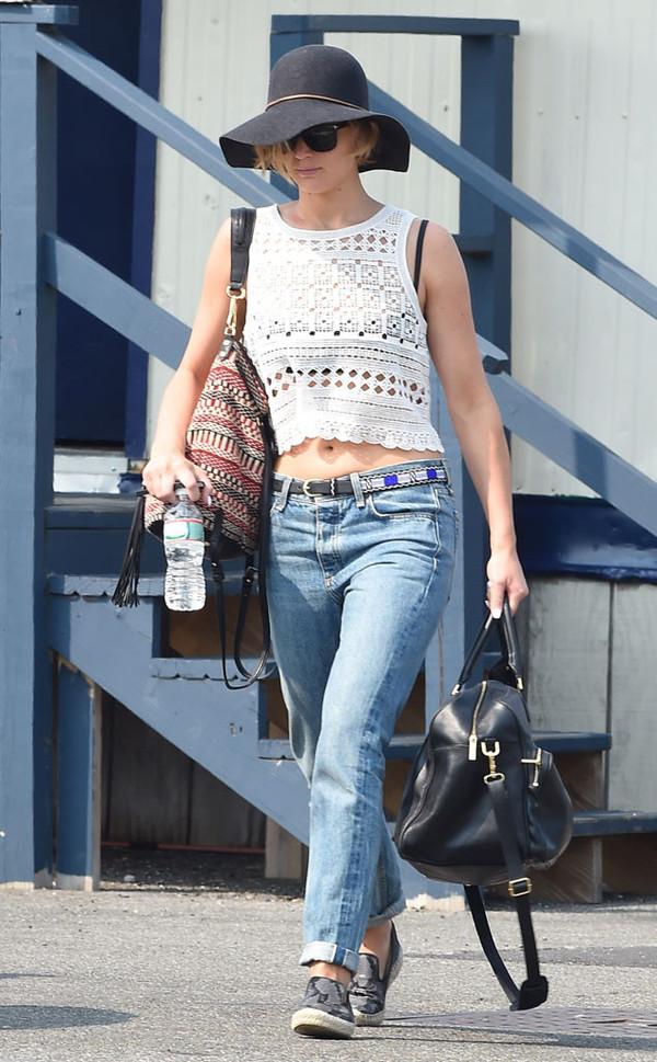 jennifer lawrence shirt purse shoes bag belt