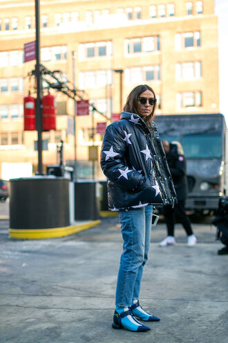 jacket blue boots nyfw 2017 fashion week 2017 fashion week streetstyle stars puffer jacket denim jeans blue jeans boots pointed boots sunglasses