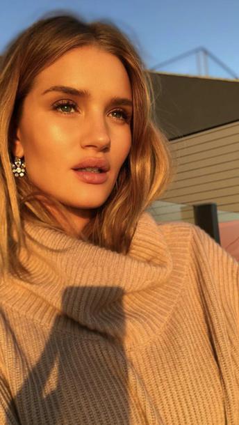 sweater rosie huntington-whiteley instagram model off-duty winter sweater