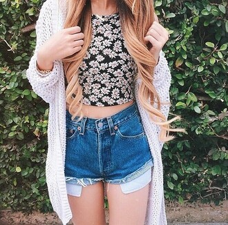 top shirt crop tops floral floral crop top black white daisy flowers shorts jeans denim shorts sweater