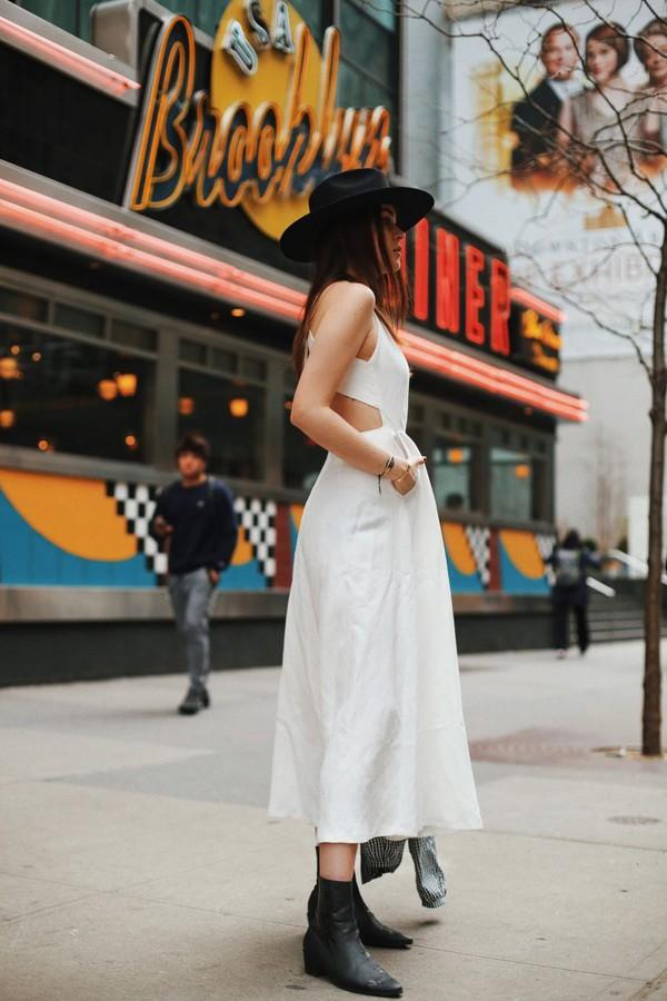 3d26d88817 dress white dress massimo dutti boots black boots hat felt hat.
