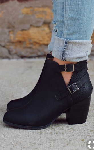 shoes boots cute sweater ankle boots booties black black boots cute shoes sweater dress casual style