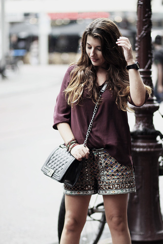 shorts embroidered short printed shorts top burgundy top bag black bag summer outfits embroidered shorts