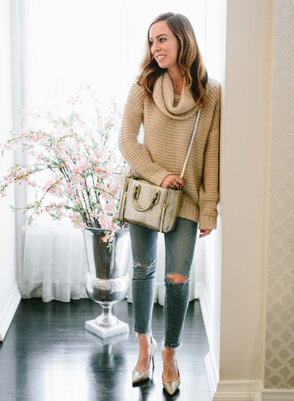 sydne summer's fashion reviews & style tips blogger sweater jeans bag jewels turtleneck sweater beige sweater handbag high heel pumps pumps