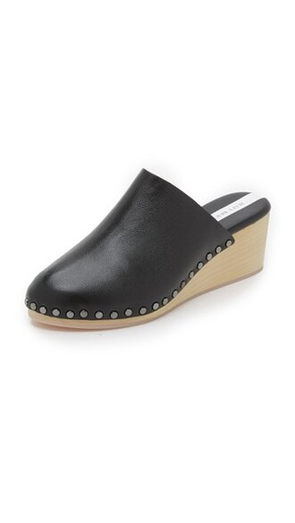 clogs black shoes
