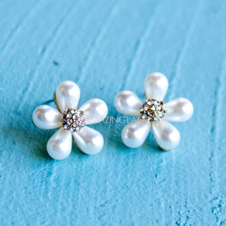 jewels floral earrings pearl flowers crystal embellishment garden party ready classy post back earring spring summer classic sophisticated pretty beach
