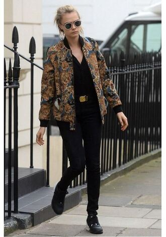jacket top cara delevingne spring outfits bomber jacket sneakers sunglasses