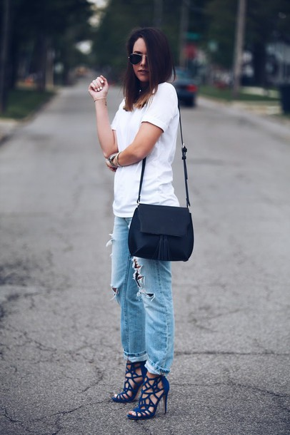 fashionably kay blogger blue heels ripped jeans white t-shirt spring outfits stilettos black bag aviator sunglasses white top casual summer outfits