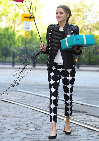 pants olivia palermo sweater polka dot pants white top top jacket black leather jacket leather jacket black jacket flats ballet flats black flats polka dots polka dots capri pants capri pants celebrity spring outfits