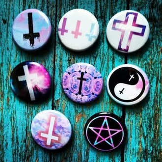 jewels grunge goth buttons pink