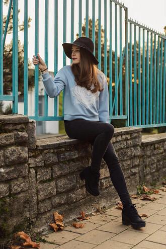 sweater iemmafashion blogger roses light blue black jeans