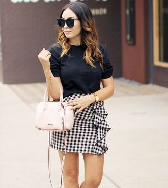 skirt tumblr mini skirt gingham gingham skirt ruffle bag t-shirt black t-shirt sunglasses