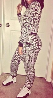 pants,aztec,black,black and white,air jordan,cute,sweatpants,sweater,jayda ayanna,tight,shirt,jumpsuit