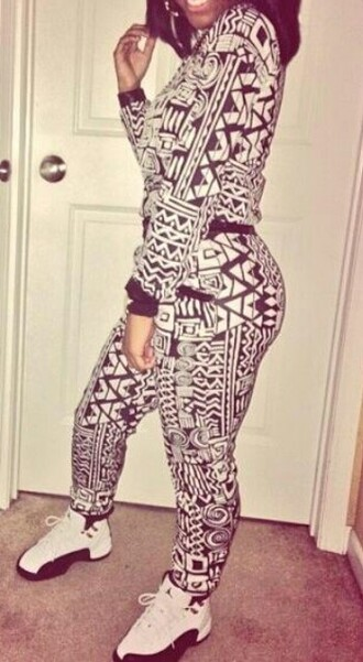 black air jordan pants shirt aztec black and white cute skinny sweats sweater sweatpants jayda ayanna fitted