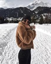 coat,fur coat,fuzzy coat