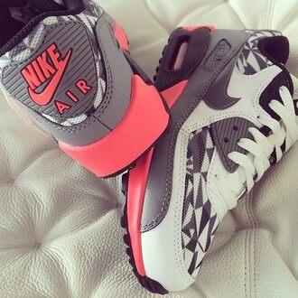 shoes nike pink grey white nike air air max sneakers nike air max 90 nike air force 1 pattern air max ice nike sneakers nike air max 1 pink shoes gris blanc roses