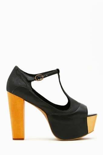 Black in  shoes at nasty gal