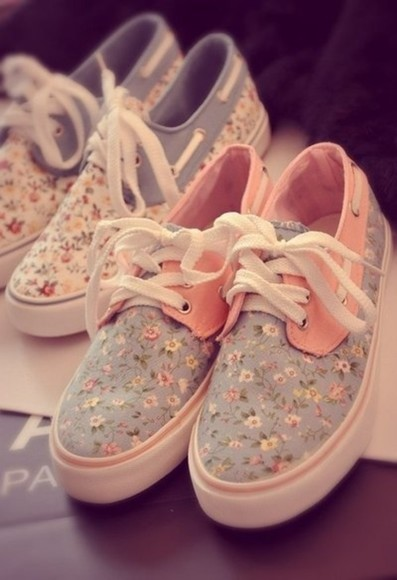 shoes floral sneakers blue pink vans women boats canvas print flowers vintage love best floral vans authentic cute shoes easy fit printed vans boat boat shoes floral shoes flower liberty cute vans floral basket