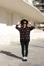 vintage shoes for her,hat,sunglasses,sweater,pants,shoes