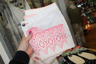 shorts aztec pink white embroidered shorts