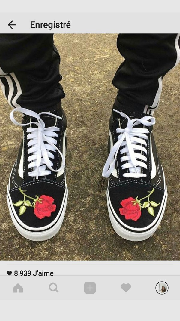shoes vans old skool vans old skool roses roses red. Black Bedroom Furniture Sets. Home Design Ideas