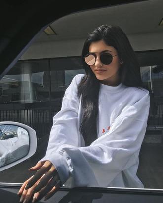 sweater kylie jenner sunglasses instagram sweatshirt kardashians oversized pink round sunglasses mirrored sunglasses kylie jenner sunglasses lunettes de soleil oversized sweater white white sweater