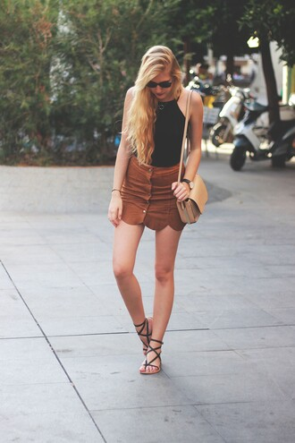 dear diary blogger top skirt summer outfits suede skirt