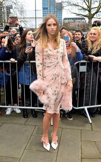 dress suki waterhouse midi dress pumps fashion week 2016 london fashion week 2016 fur nude dress streetstyle shoes asymmetrical pumps