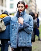 jacket,flowers,blue jacket,streetstyle,shearling jacket,shearling denim jacket,denim jacket,denim