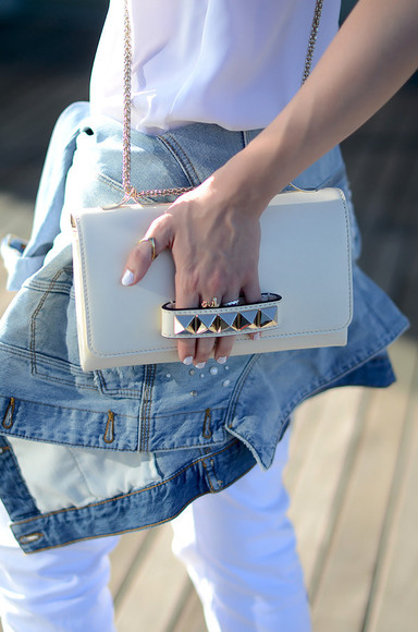 Valentino bag clutch pouch blogger oh my vogue denim denim jacket ring nail polish classy summer outfits