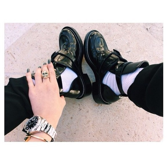 shoes kylie jenner black shiny