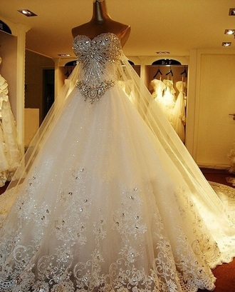 wedding dress luxury