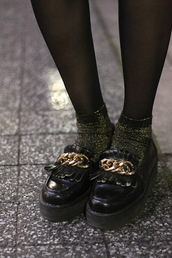 platform shoes,black shoes,shoes,vintage,black,flatforms,moccasins,loafers,chunky sole,chain,fringes