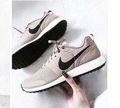 shoes,nude,nike shoes