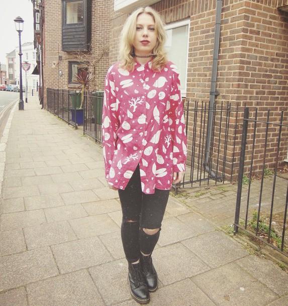 the velvet black grunge blogger shirt ripped jeans
