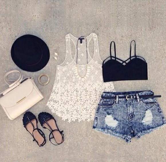 bag black gold handbag top summer outfits sandals shorts hat white crop tops lace diamonds jewlrey necklace sexy