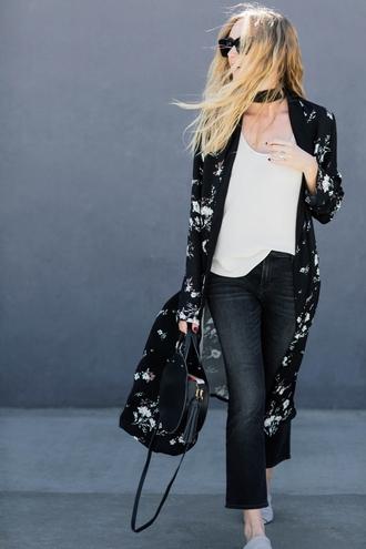 coat tumblr floral kimono kimono top white top denim jeans black jeans cropped bootcut black jeans cropped bootcut jeans bag round bag black bag black choker choker necklace sunglasses jewels necklace wide choker jewelry
