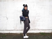 the velvet black,grunge,blogger,hat,bag,sweater,cap,backpack,hoodie,converse,sneakers