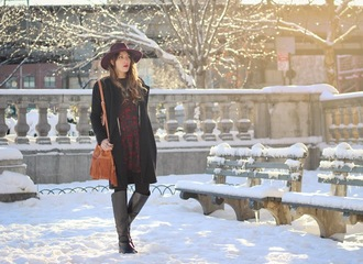 the marcy stop blogger coat hat bucket bag fringed bag black boots