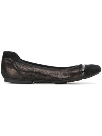 texture shoes black