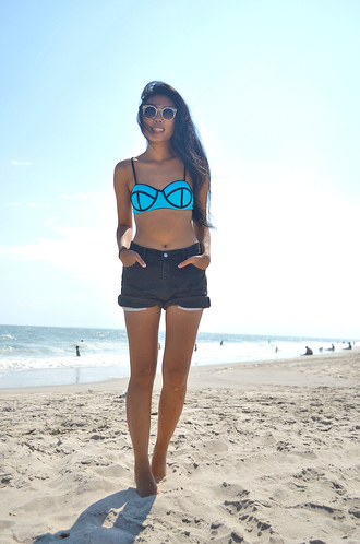 fashion of a novice blogger swimwear shorts sunglasses